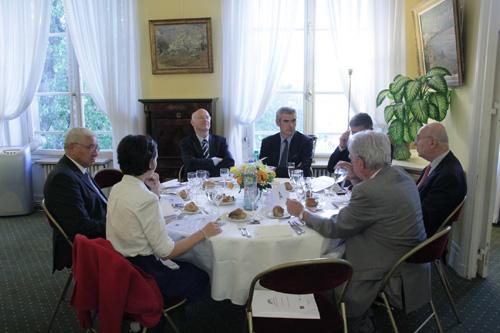 Dîner-débat avec le Groupe de liaison Parlement-Commerce.