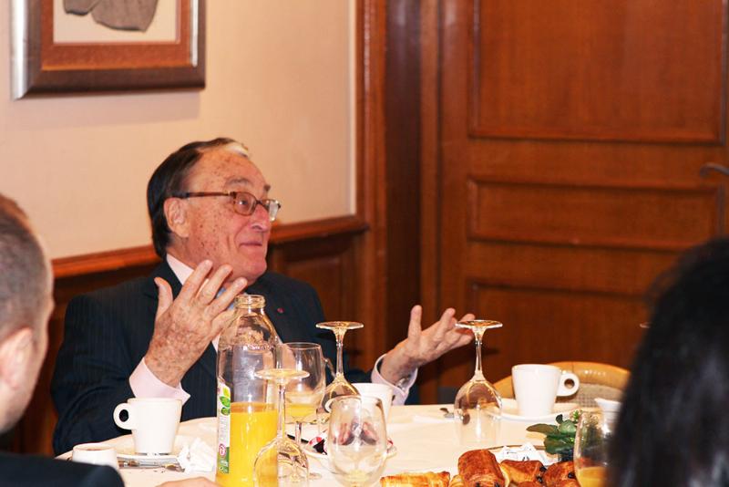 Petit déjeuner avec Grégoire LASSALLE