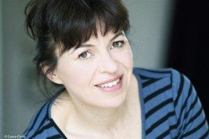 Elina DUMONT, enfant de l'abandon, adolescente fugueuse, femme de la rue, aujourd'hui comédienne
